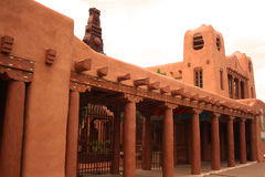 Architettura dell'adobe di Santa Fe Immagine Stock