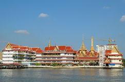 Architettura della riva del fiume di Bangkok Fotografie Stock Libere da Diritti