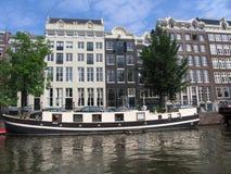 Architettura di Amsterdam dalla barca fotografie stock libere da diritti