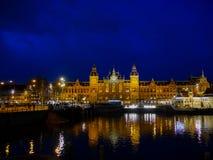 Architettura di Amsterdam di notte - Fotografia Stock