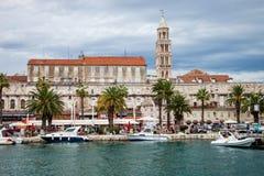 Architettura di Città Vecchia nella spaccatura, Croazia Fotografia Stock