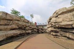 Architettura di giardini del Rockery in una sosta Immagine Stock Libera da Diritti
