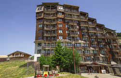 Architettura di legno di Avoriaz, alpi francesi Fotografia Stock Libera da Diritti