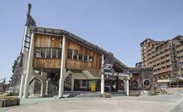 Architettura di legno di Avoriaz Edificio per uffici di turismo Fotografia Stock