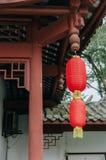 Architettura di stile tradizionale del giardino cinese decorata con la lanterna rossa per il nuovo anno lunare immagine stock libera da diritti