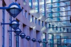Architettura di vetro e concreta Immagine Stock Libera da Diritti
