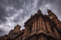 Architettura e cielo immagine stock