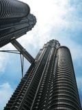 Torri gemelle di Petronas, architettura famosa di Kuala Lumpur. La Malesia fotografia stock libera da diritti