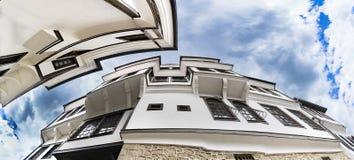Architettura generica della casa tradizionale dell'urania nella vecchia città di Ocrida in Macedonia fotografie stock libere da diritti