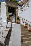 Architettura greca tipica su Rhodes Island, Grecia fotografia stock