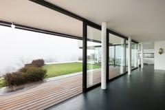 Patio disegno veranda : Architettura, Bello Interno Di Una Villa Moderna Immagine Stock Libera ...