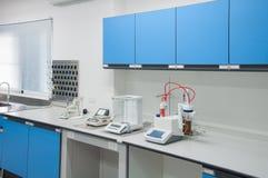 Architettura moderna dell'interno del laboratorio di scienza Fotografia Stock