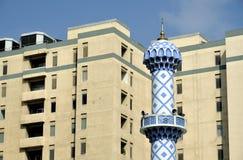 Architettura moderna e tradizionale nel Dubai fotografia stock libera da diritti