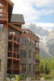 Architettura nelle montagne di Canmore Alberta Immagine Stock Libera da Diritti