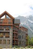 Architettura nelle montagne di Canmore Alberta Immagine Stock