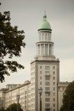 Architettura socialista: Torretta di Allee della salsiccia di Francoforte Fotografia Stock Libera da Diritti