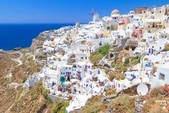 Architettura del villaggio di OIA sull'isola di Santorini Fotografie Stock