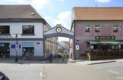 Architettura sulle vie della città Benesov Fotografie Stock Libere da Diritti