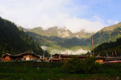 Architettura tibetana in Cina Jiuzhaigou Fotografia Stock Libera da Diritti