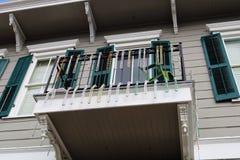 Architettura unica classica della casa variopinta del quartiere francese di New Orleans fotografia stock