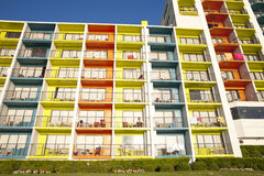 Architettura variopinta - hotel di località di soggiorno Immagine Stock Libera da Diritti