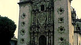 Archivalische Kirche von Santa Prisca von Taxco stock video footage