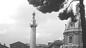 Archivalische Trajanssäule in Rom stock footage
