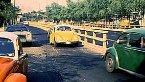 Archivalische Verkehrsautos von Mexiko City stock footage