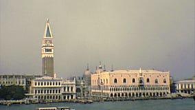 Archivalischer Glockenturm Venedigs San Marco stock footage