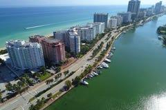 Archivbild des Miami Beachs und des indischen Nebenflusses lizenzfreie stockfotografie