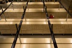 Archive in einer Bibliothek Stockbilder