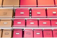 Archivi sulla mensola Fotografie Stock