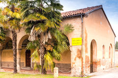 Archs και στήλες ιταλικού XV μοναστηριού αιώνα Στοκ Φωτογραφίες