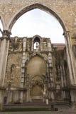 Archs στη μονή του Carmo στη Λισσαβώνα Στοκ Φωτογραφία