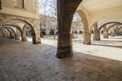 Archs στο κύριο τετράγωνο Banyoles, Καταλωνία, Ισπανία Στοκ φωτογραφία με δικαίωμα ελεύθερης χρήσης