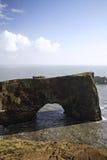 Archway de Dyrholaey imagem de stock royalty free