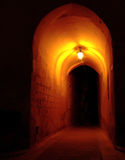 Archway em Noite foto de stock royalty free