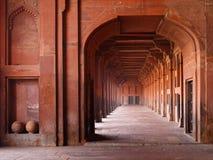 archways czerwony meczetu obraz royalty free
