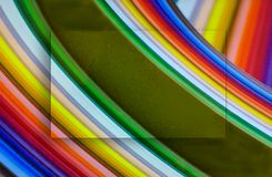 Arco-íris abstrato no teste padrão colorido do redemoinho com centro levantado fotografia de stock royalty free