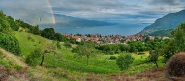 Arco-íris acima de Lago di Garda Foto de Stock