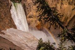 Arco-íris da cachoeira fotos de stock