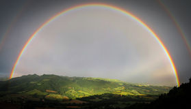 Arco-íris dobro completo Imagens de Stock Royalty Free