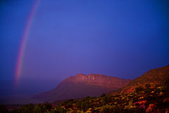 Arco-íris em arcos parque nacional, Utá, EUA Fotografia de Stock