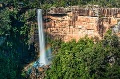 Arco-íris em quedas de Fitzroy fotografia de stock