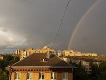 Arco-íris na cidade Fotos de Stock