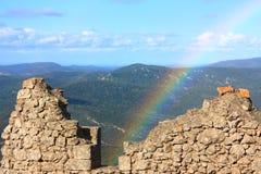Arco-íris no castelo Peyrepertuse do cathar Imagem de Stock Royalty Free
