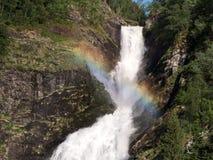 Arco-íris sobre a cachoeira Imagem de Stock Royalty Free