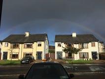 Arco-íris sobre casas em castlebar Fotografia de Stock