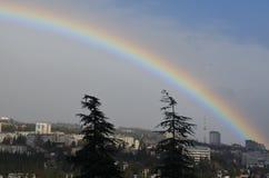Arco-íris sobre a cidade Fotografia de Stock