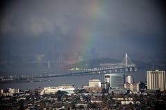 Arco-íris sobre a ilha do tesouro foto de stock